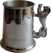 1pt Straight Tankard Lion Handle (w)