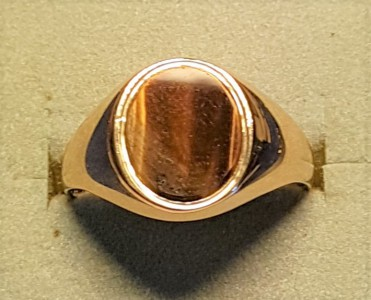 C436 Stone set signet ring