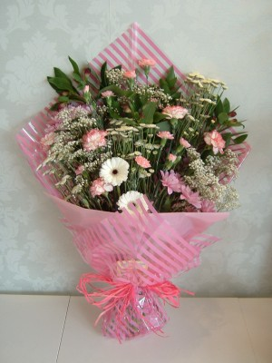 MDSC003 Traditional Pink Flat Bouquet
