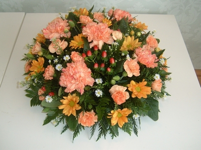 FTS7 Orange and White Loose Posy