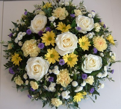 FTS15 Lemon, White and Lilac Loose Posy