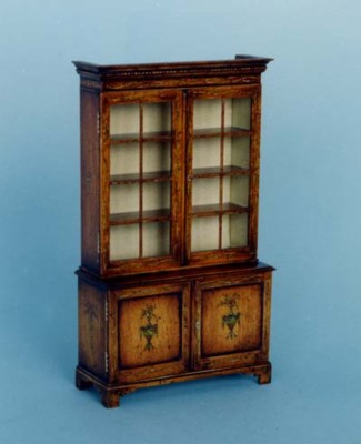 F020 F20 Glazed Display Cabinet