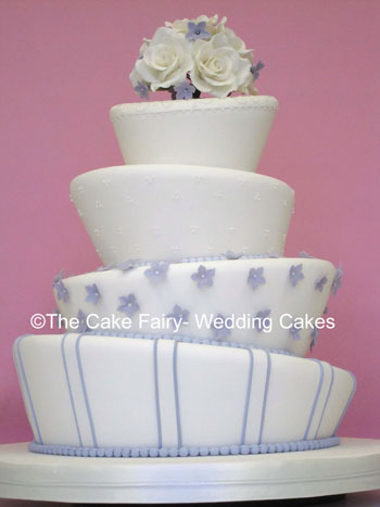 RW27 WONKY BRIDAL BLOSSOM   A very pretty wedding cake with a wonky twist