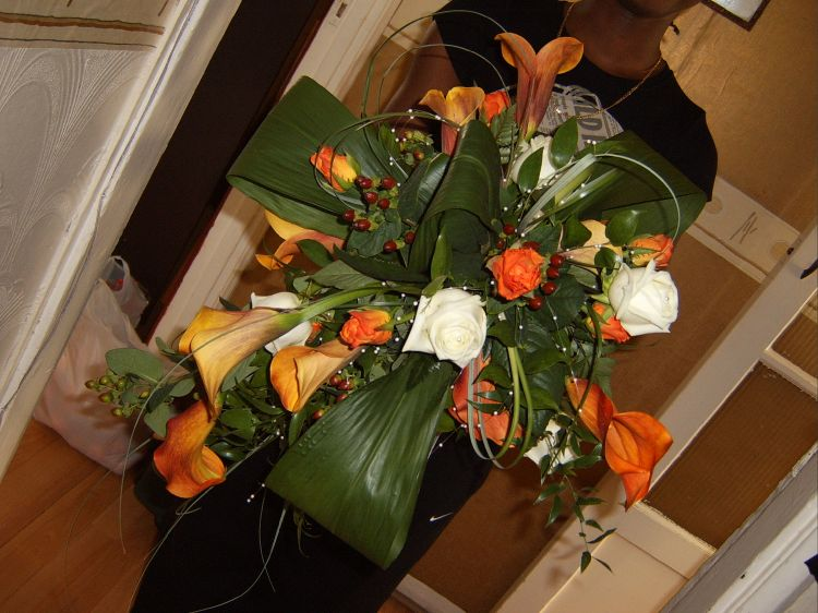 Large Lily & Rose Tear Drop Bouquet