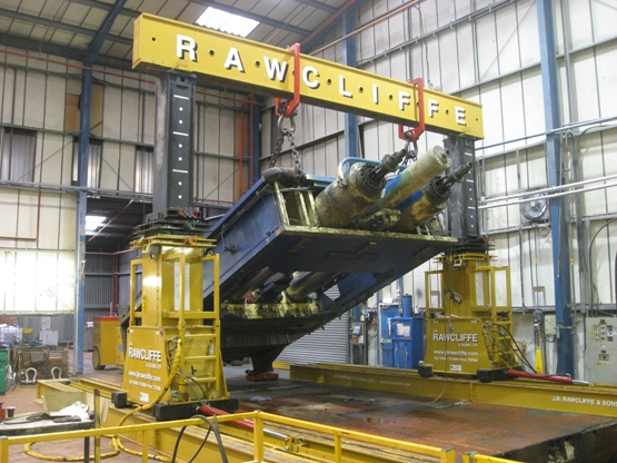 Hydraulic Gantry Mega Lift System handling 85,000kg Press
