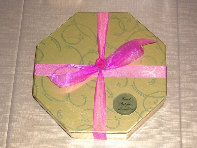 BC19 GOLD HEXIGAN BOX OF LUXURY BELGIAN CHOCOLATES