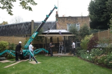 With this mini crane our trained operatives were able to precisely locate the roof onto its final position