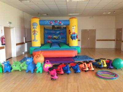 Sponge Bob bouncy with party extras