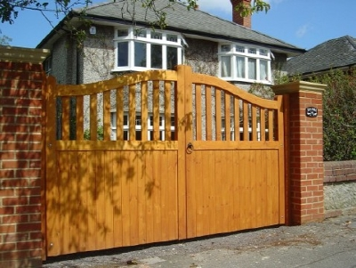 St James Swan Neck Gate Design