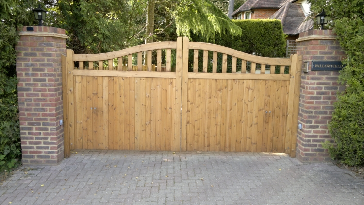 Wooden driveway gates designs joy studio design gallery for Wood driveway gate plans