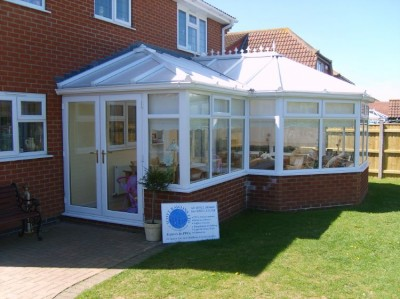 Conservatory P shaped white