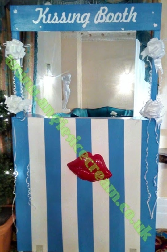 Kissing Booth Hire