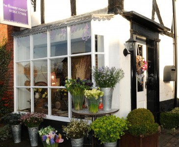 the flower room Chaddesley Corbett shop outside