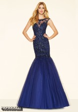 98032 IN STOCK IN NAVY SIZE 6
