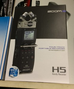1H5ZOOM Zoom H5 Handy Recorder - Four-Tack Portable Recorder with Interchangeable Mic System - New for 2015