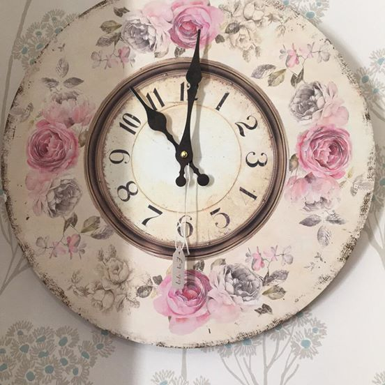 Vintage style rose wall clock