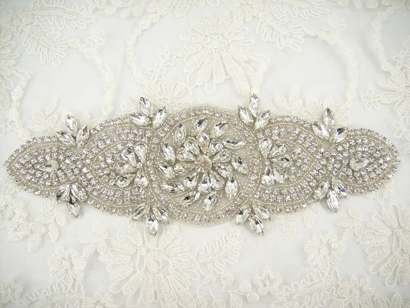 SM015 Diamante Applique SM015