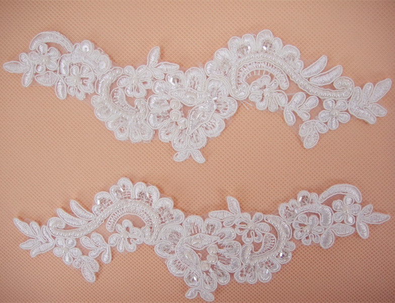 SAP1019 Lace Applique Beaded Wedding Motif Floral Off White Trimming