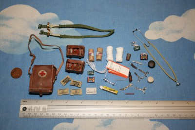 DID DRAGON IN DREAMS 1:6TH SCALE WW2 GERMAN MEDIC EQUIPMENT FROM PETER