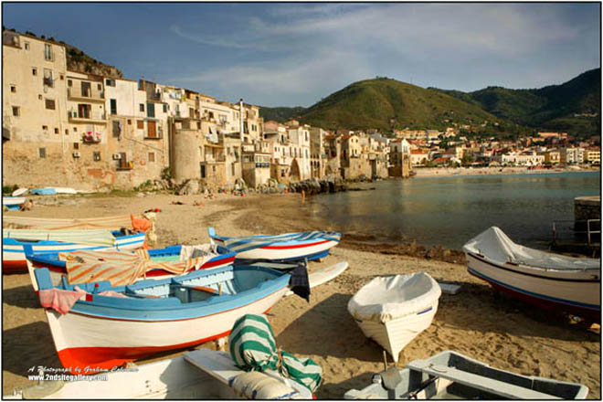 boats moored at Cefalu