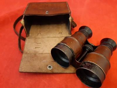WW1 French Military Binoculars In Leather Carrying Case