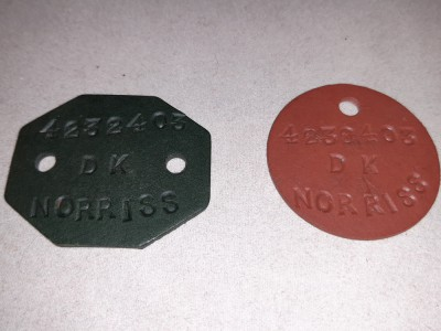 Pair Of RAF Fibre Dog Tags Of 4232403 D. K. NORRISS