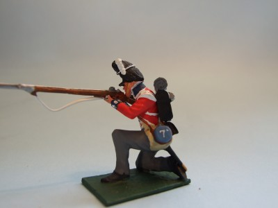 7TH FUSILIERS KNEELING FIRING
