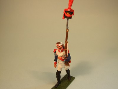 LINE GRENADIER MARCHING MUSKET ON SHAKO