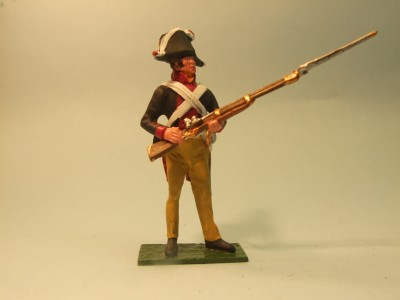 PRUSSIAN MUSKETEER STANDING AT THE READY