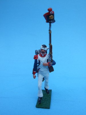 LINE GRENADIER SHAKO RAISED ON MUSKET
