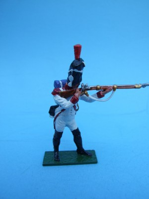DUTCH GRENADIER STANDING FIRING