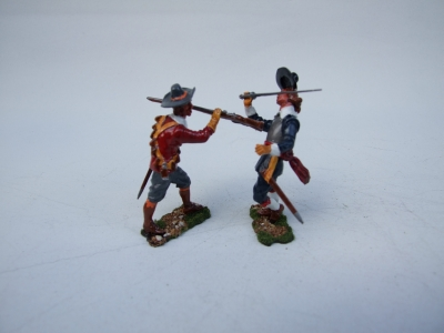PARLIMENT MUSKETEER Vs ROYALIST OFFICER BLUECOAT REGIMENT