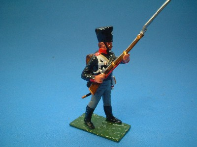 PRUSSIAN MUSKETEER PRIMING MUSKET