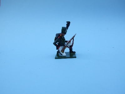 GUARD RIFLEMAN KNEELING LOADING
