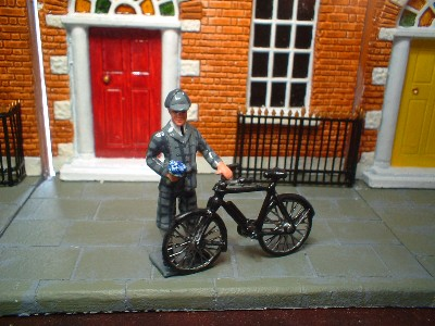 NS056 GENTELMAN IN KNICKERBOCKERS WITH BIKE