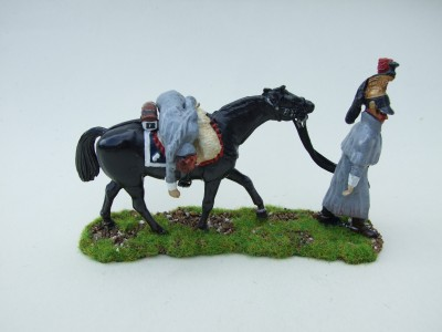 CUIRASSIER TROOPER LEADING HORSE WITH WOUNDE COMRADE