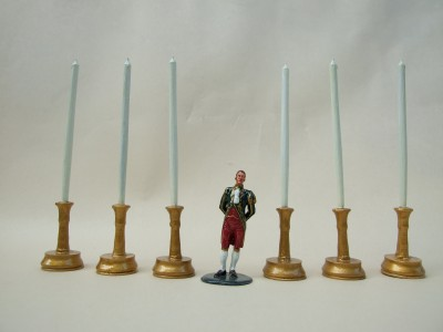 GIANT CANDLESTICKS