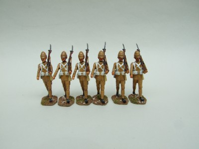 GRENADIER GUARDS SET OF SIX FIGURES MARCHING