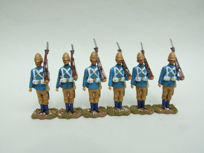 GRENADIER GUARDS SET OF SIX FIGURES AT ATTENTION