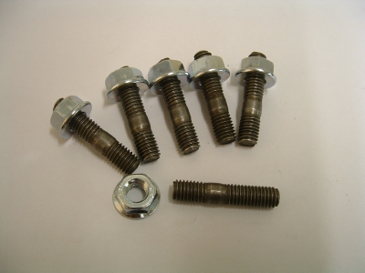 Exhaust studs steel, all 3 cylinder models