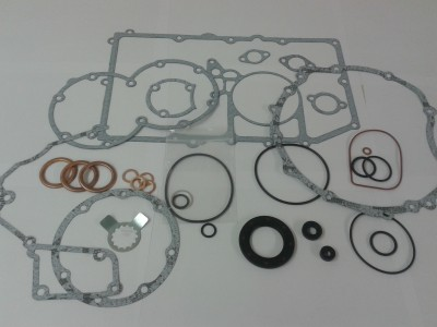 Gasket and Seal Set Trident. Trophy 900, Daytona 900