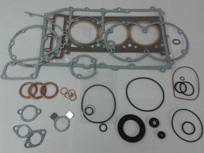 Cover and Head Gasket Set Trident. Trophy 900, Daytona 900