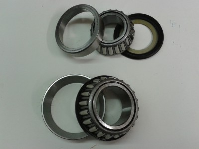 Steering head bearing set.