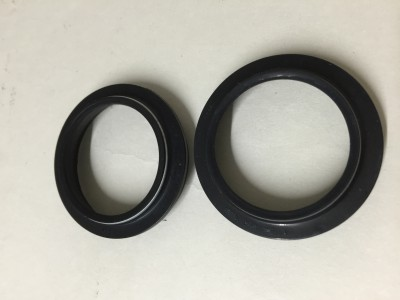 S514 Fork dust seals Showa 43 mm forks
