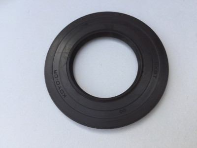 Gearbox Output seal 675