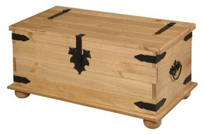 Corona Mexican Pine single storage trunk / coffee table.