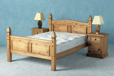 Corona solid mexican pine 4ft6 double high end bed