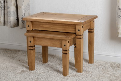 Salvador Solid pine nest of tables