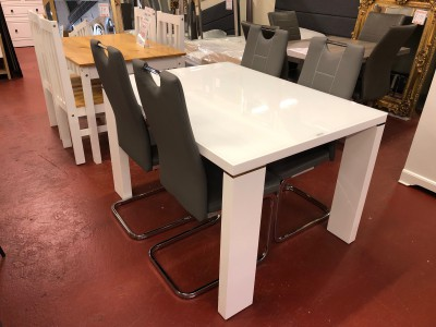 White gloss small dining table