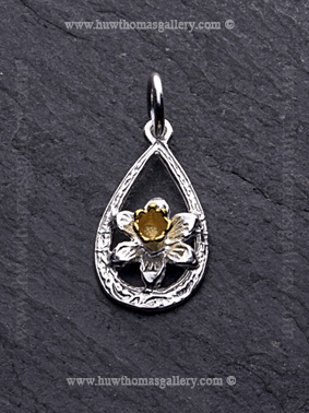Silver Loop Daffodil Pendant / Necklace with Gold Centre